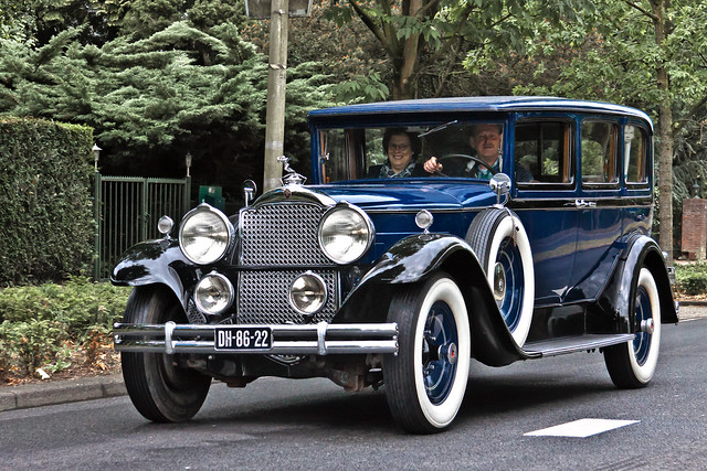 Packard 740 Custom Sedan 1930 (5360)