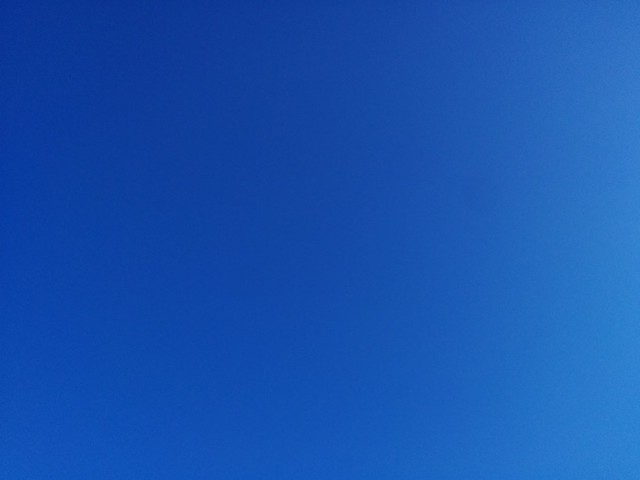 Late winter blue #toronto #clear #blue #winter #sky #dlws #derekjarman