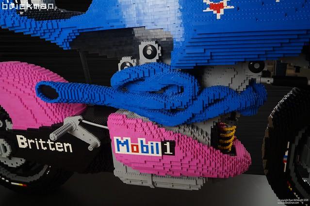 Lifesize LEGO® brick Britten V-1000