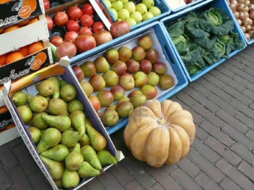 frutta e verdura all'esterno