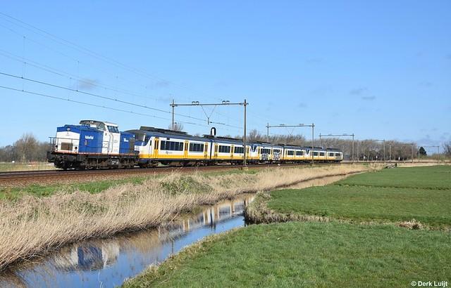 VolkerRail 203-1, Voorhout, 16-3-2020 11:14