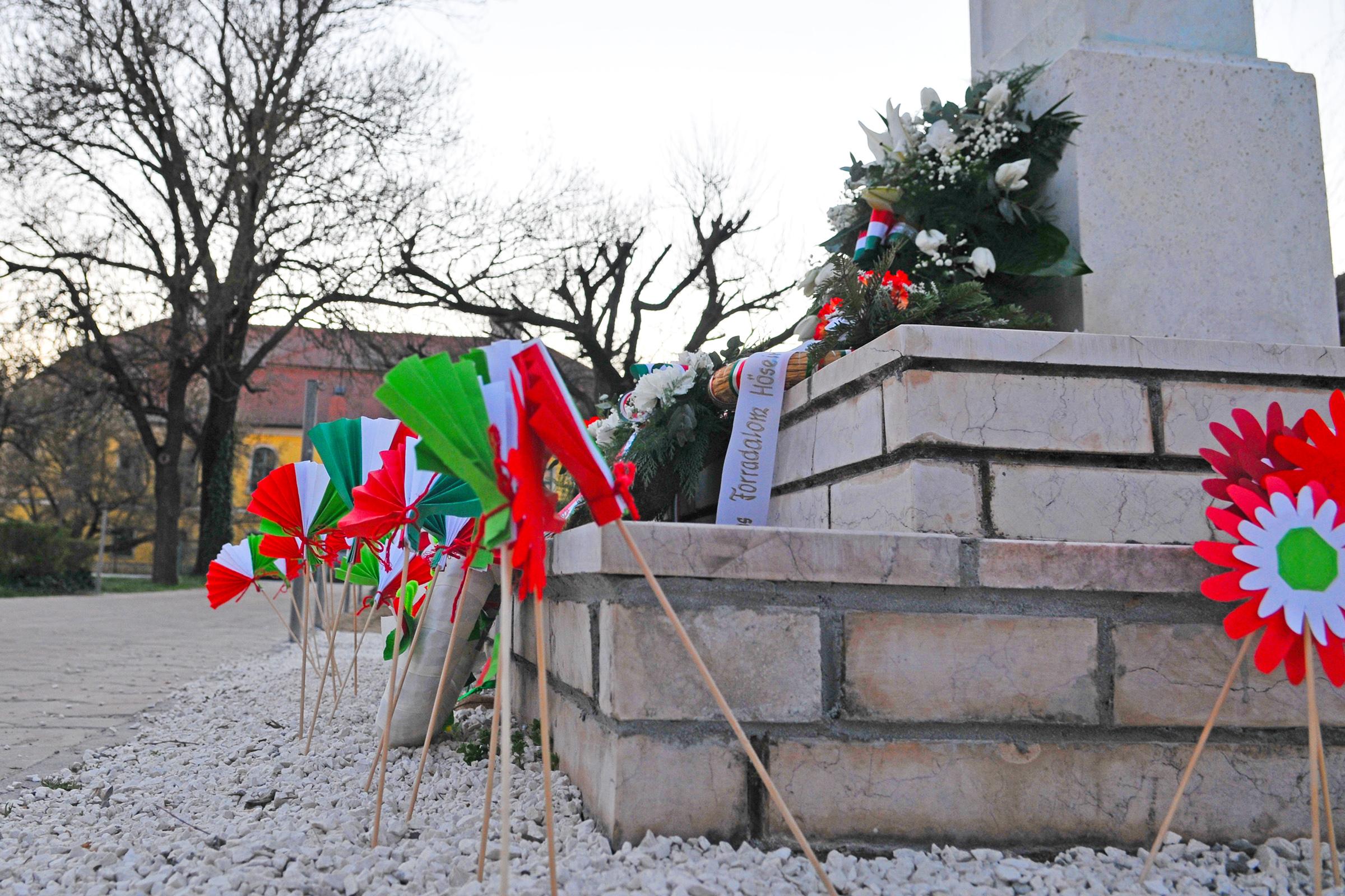 2020.03.15. 017 Március 15-i ünnepség - Fotó:PURGEL ZOLTÁN© D3K_6593q