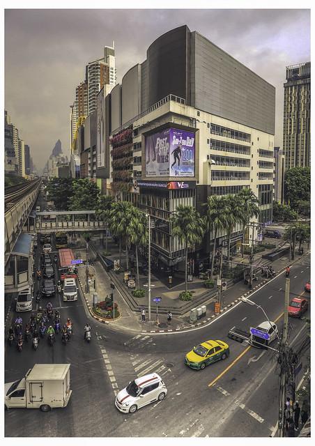 Streets of Bangkok -กรุงเทพมหานคร
