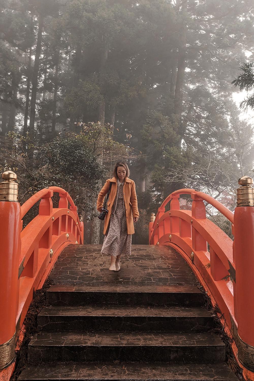 11hakone-japan-shrine-lakeashi-travel