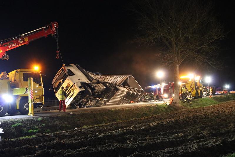Sattelzug umgekippt Burgau 16.03.2020