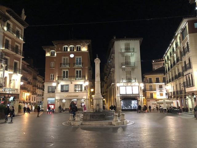 Plaza del Torico iluminada por la noche (Teruel)