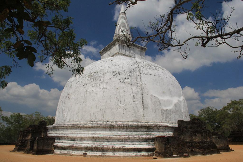 Kiri Vehera, Polonnaruwa