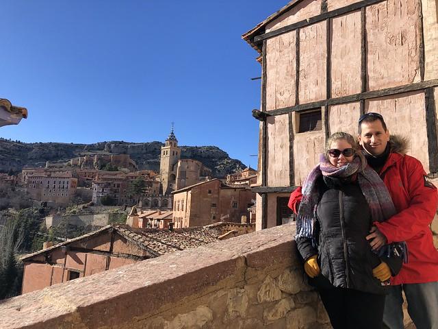 Sele y Rebeca en Albarracín (Teruel)