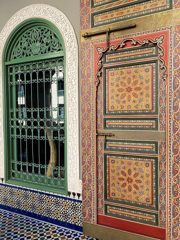 Ovimania, Ovien magia, Kaiken maailman ovia, Riad-majoitus Marokossa