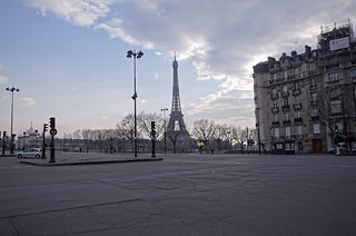 Paris 17 March 2020 - eerie and quiet | by Charlievdb