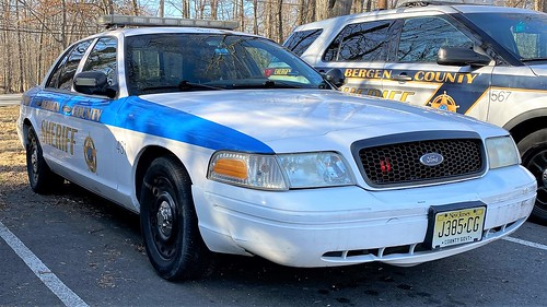 ford fordcrownvictoria fordcrownvic bergencounty bergencountynj bergencountysheriff emergencyvehicles emergencyservices emergency police policecars policecarphotos policedepartment policeinterceptor policecar fordpoliceinterceptor p71