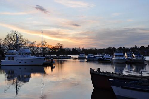 oultonbroad broads norfolk water boats norfolkbroads reflection reflections reflectionsinwater reflet sunset sunsetsky sunsetlight