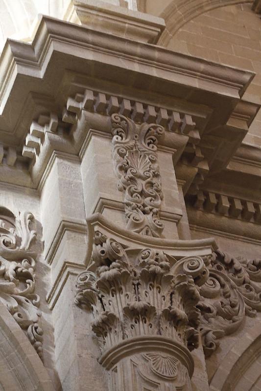 Column_-_Iglesia_del_Salvador_-_Seville_(2)