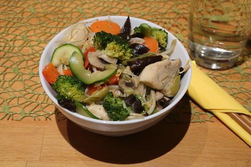 Hähnchen Chop Suey auf Reis (meine erste Schale)