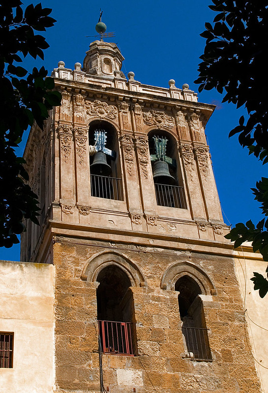 800px-Iglesia_del_Salvador_003