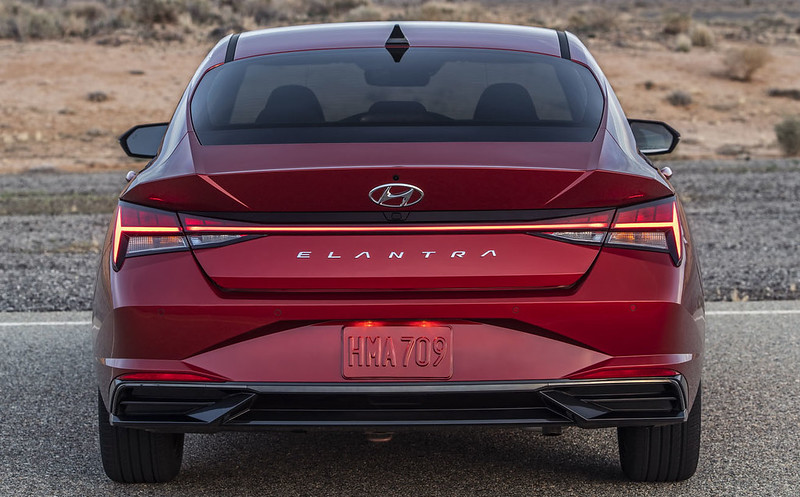 Hyundai-Elantra (4)