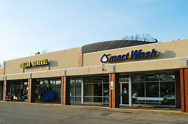 Dollar General & Smart Wash, Woodstock, Illinois