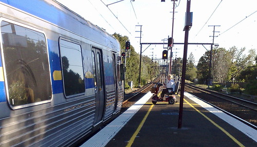 Wheelchair boarding from a narrow platform at Bentleigh, March 2010