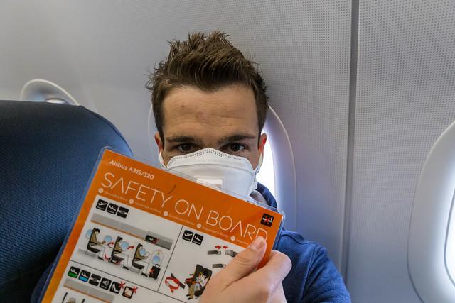 Safety on Board bei einem easyjet Flug mit FFP3 3M Maske