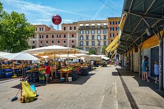 Cosimato Market and Stalls
