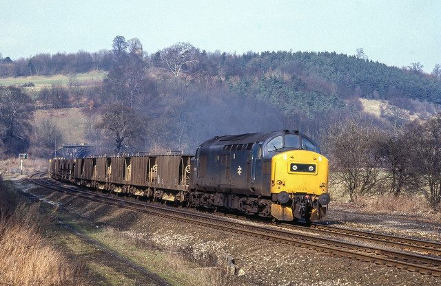 37135 Leaves Milford Tunnel. 12/03/1985.