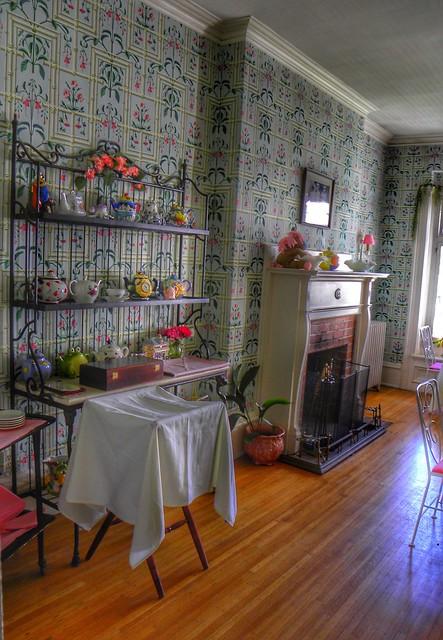 Hillside Lodge - Gaslight Village - Wyoming New York -  Dining Room