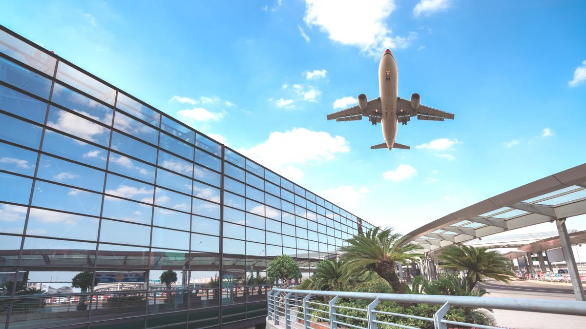 U.K. gov Uber drivers scared of coronavirus are avoiding airport pickups (UBER) thumbnail
