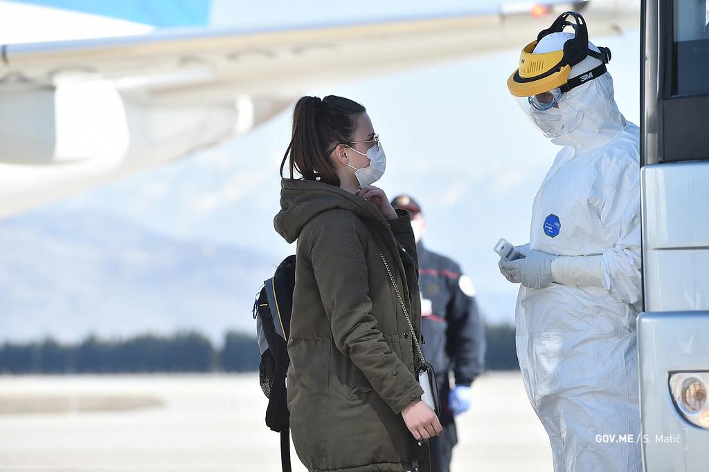 Dolazak aviona sa CG državljanima