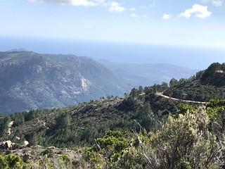Vue de la piste de Luviu et de la vallée depuis le tronçon sous Murata