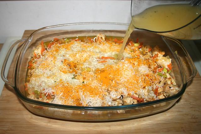 27 - Hühnerbrühe eingießen / Add chicken broth
