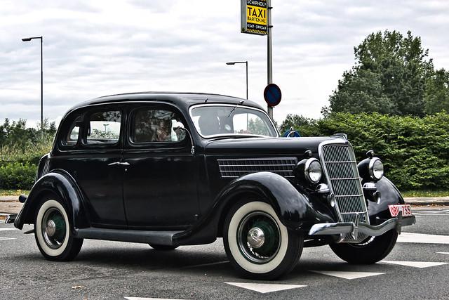 Ford V8 Touring Sedan 1935 (5667)