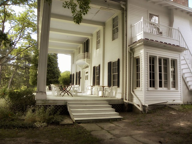 Hillside Lodge - Garden Area  - Gaslight Village - Wyoming County -  New York -
