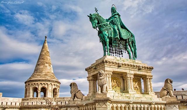 Stephen I of Hungary, Statue