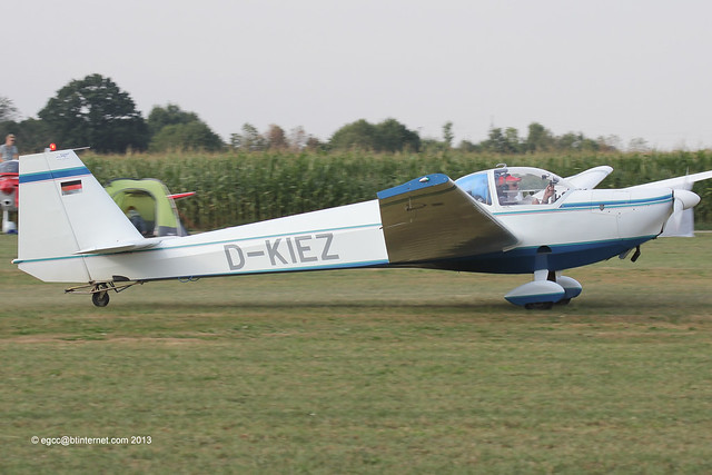 D-KIEZ - 1998 build Scheibe SF-25C Rotax-Falke, arriving at Tannheim during Tannkosh 2013