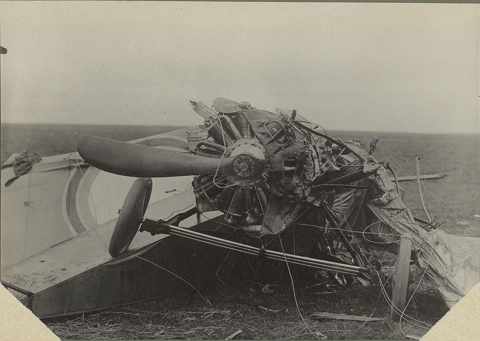 22. 1916. Разбитый самолёт. 17 сентября