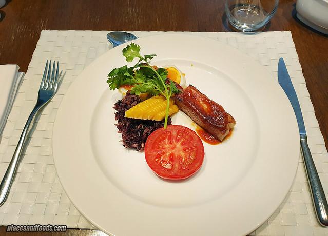 como metropolitan hotel bangkok breakfast