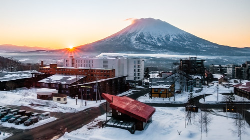 volcano sunrise yotei snow winter japan sun mountain cold hokkaido niseko kiniseko