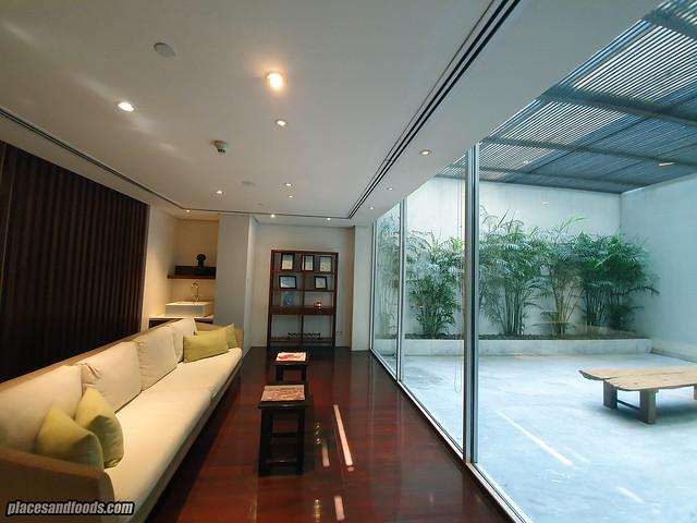 como metropolitan hotel bangkok spa