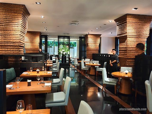 como metropolitan hotel bangkok nahm