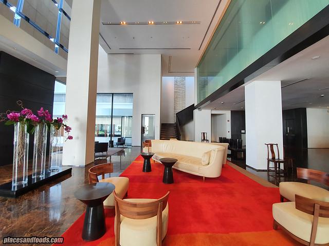 como metropolitan hotel bangkok lobby view