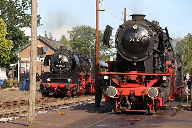 2019-09-08; 0046. VSM 50 3654-6 met trein 3 en 23 076. Depot Beekbergen. Terug Naar Toen.
