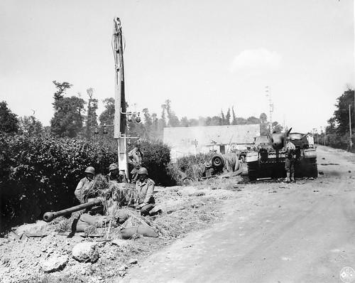 US 57-mm anti-tank gun M1 Carentan Normandie 1944.