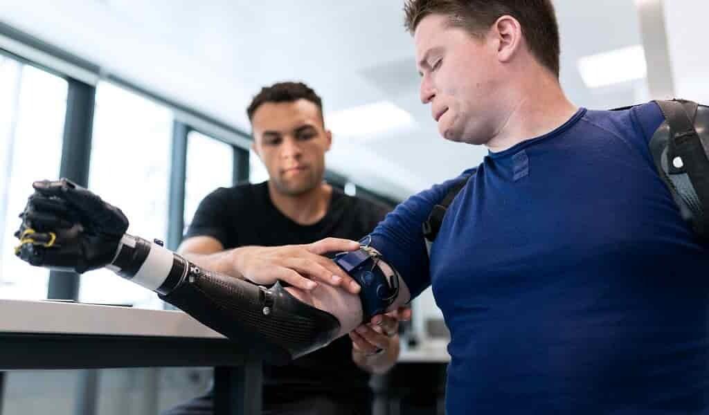des-neurones-modifiés-pour-connecter-des-implants