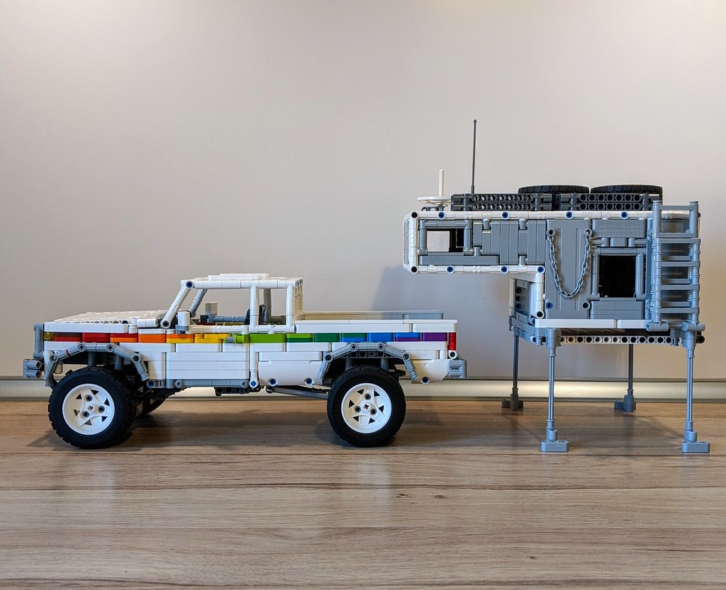 Pickup Truck 4x4 Camper