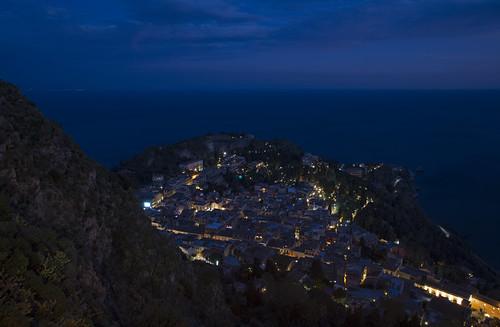 taormina provinciadimessina sicilia italia orablu sea panoramica bluehour italy panoramicview blue longexposure lungaesposizione sicily mountain mare lighting