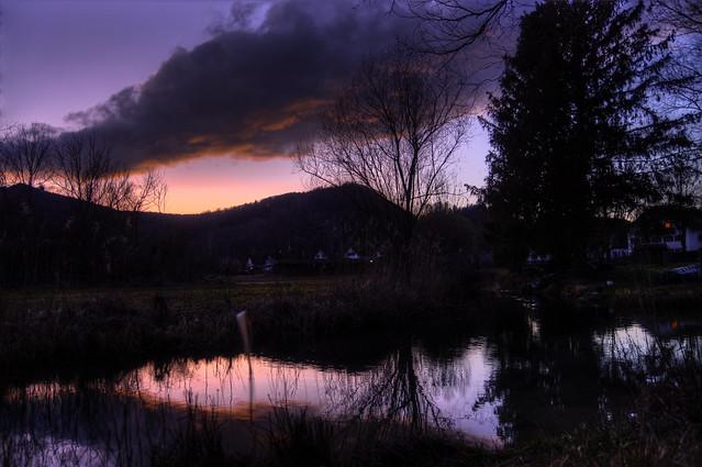 Sunset und a cloud