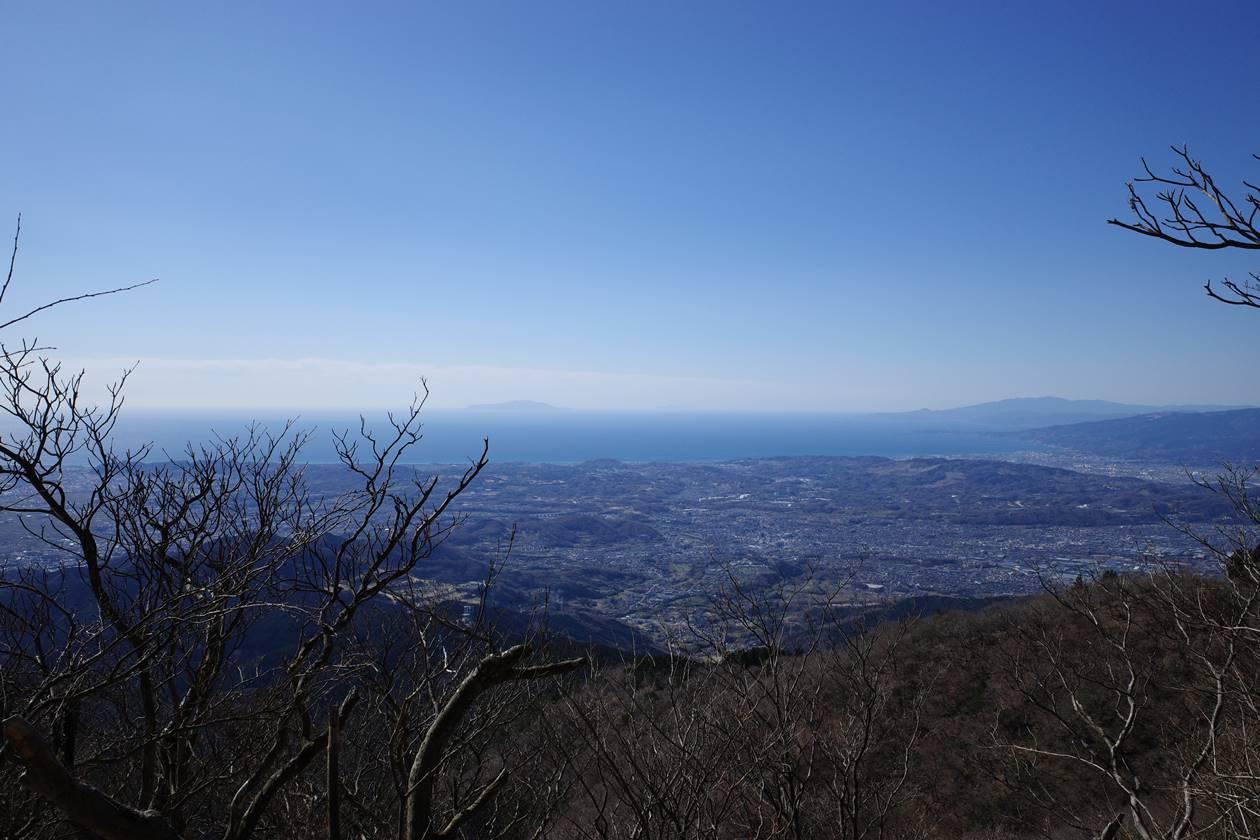 大山登山道から眺める海と伊豆大島