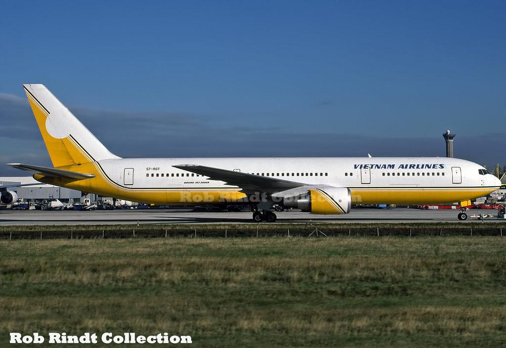 Vietnam Airlines B767-328/ER S7-RGT