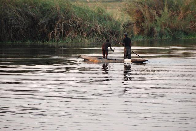 In barca sul Chobe-pescatori