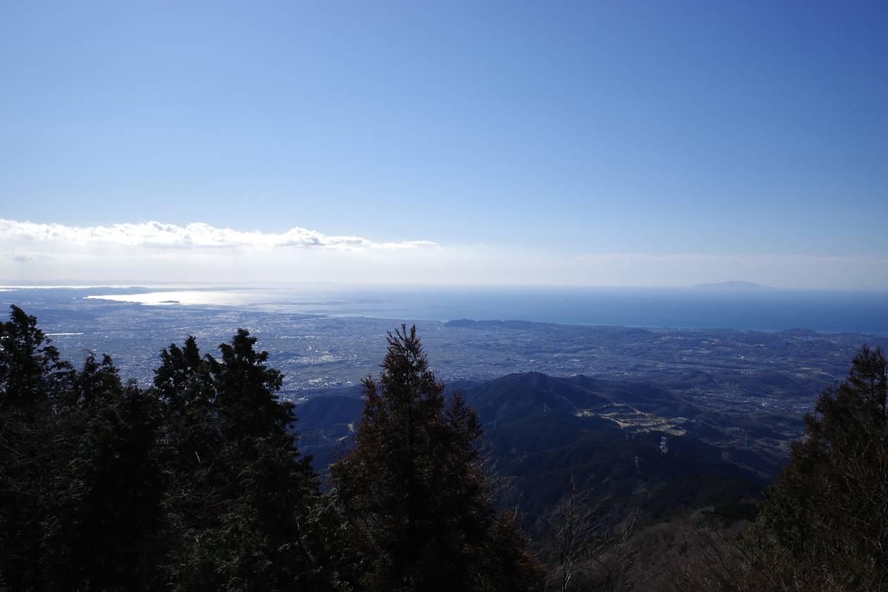大山山頂から眺める海の展望